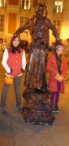 noche-de-halloween-en-madrid-retocado-2012-006-143x300